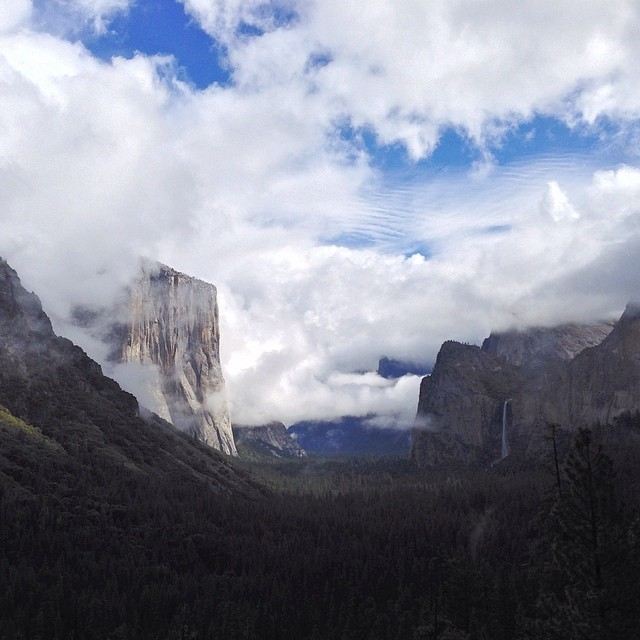 Yosemite National Park - Tunnel View overlook. Last view before leaving. Amazing #clouds365 #vsco #nationalpark