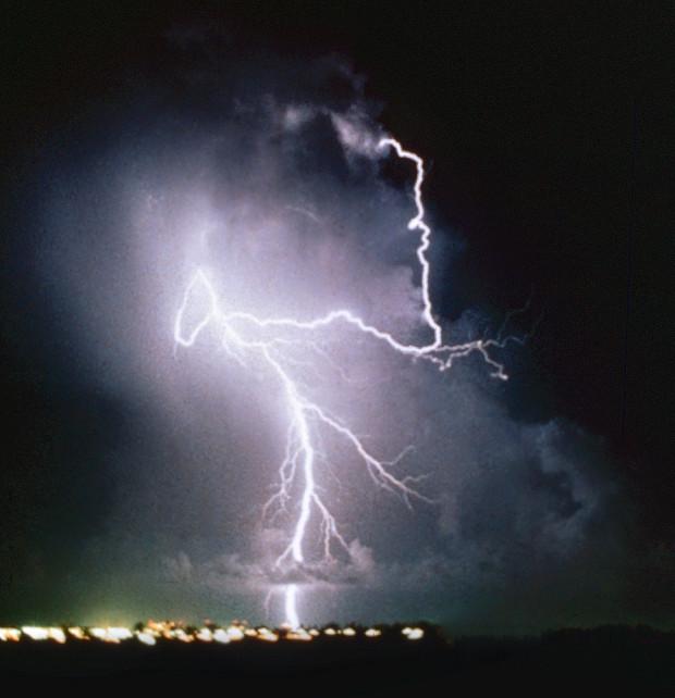 First-Lightning-Shots-Lightning-1982-copy