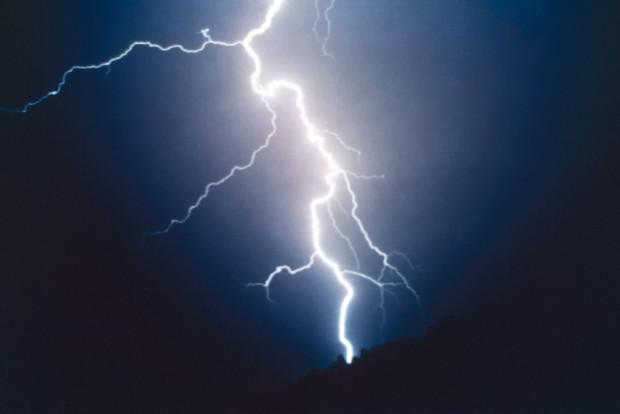 First-Lightning-Shots-Single-1982
